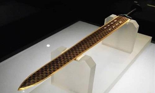 始皇帝のクロムメッキ剣
