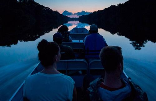 アマゾン川 ナイトクルージング
